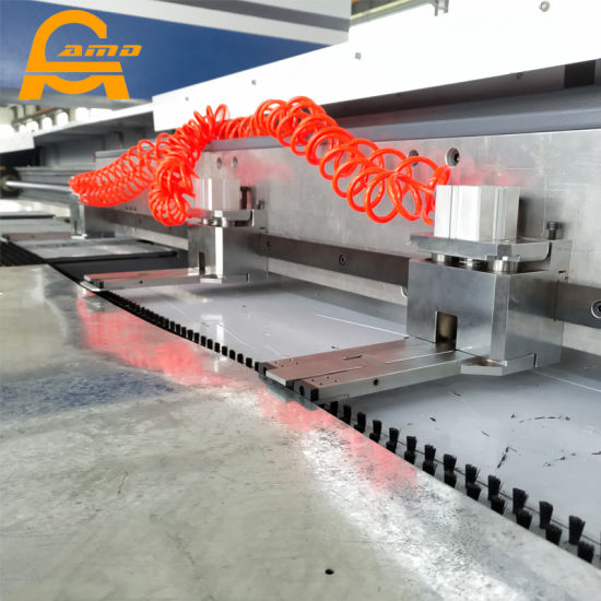 Hydraulic CNC Punching Machine for Sheet Metal Price pictures & photos