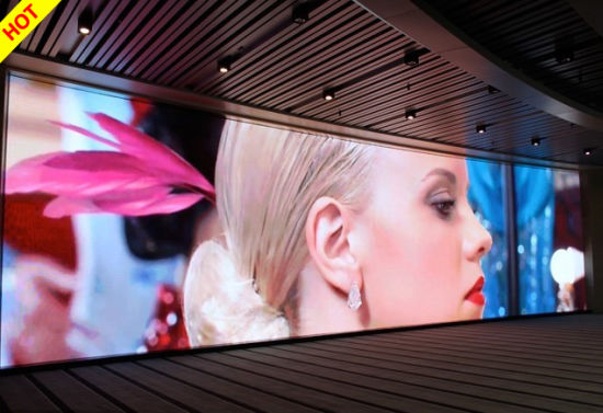 High Definition Indoor P5 Full Color LED Display (320*160mm) pictures & photos
