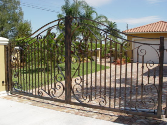 2017 Newest Ornamental Wrought Iron Gate For Driveway Garden