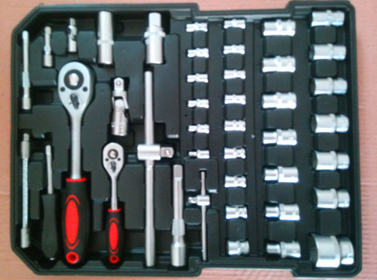 251PCS Professional Trolley Alumium Case Tool Set (FY251A) pictures & photos