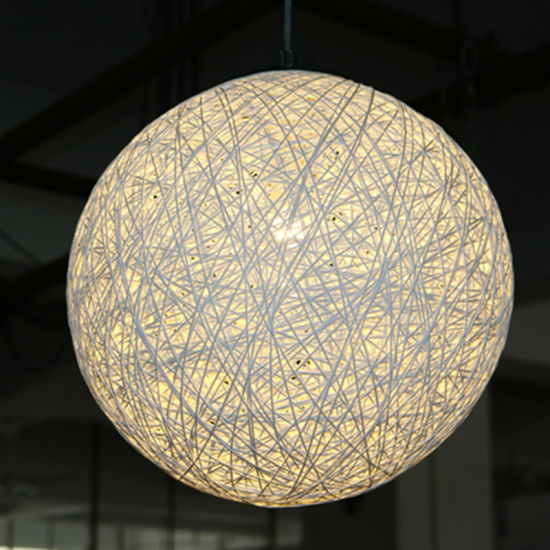 Restaurant and Hotel Decorative off White Rattan Round Pendant Lamp pictures & photos