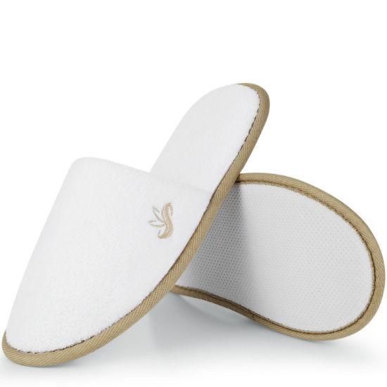Closed Toe Coral Fleece Women Slipper Bathroom Slippers Fashion Shoe in SPA&Office