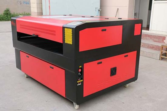 Steel /Plywood/ Metal CNC CO2 Laser Cutter pictures & photos