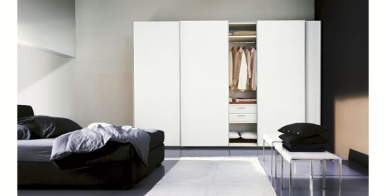 Wooden Wardrobe Closet with Sliding Door pictures & photos