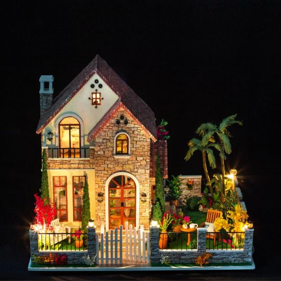 China Factory Wholesale Wooden Doll House With Sofa Design Wooden