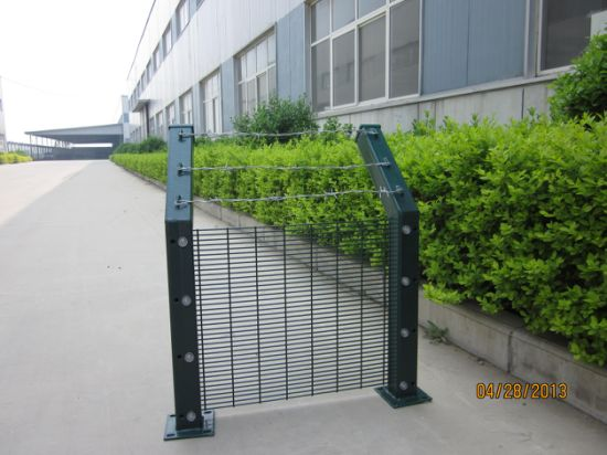 China 358 High Security Welded Wire Mesh Fence Panels For