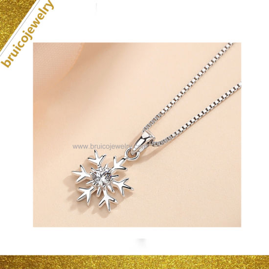 Factory Custom Jewellery Women Jewelry Necklace with Snow Charm pictures & photos