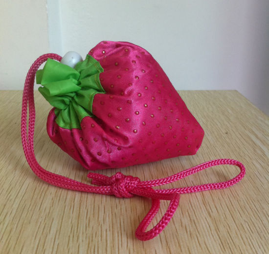 Custom Foldable Drawstring Strawberry Fruit Bag Wholesale pictures & photos