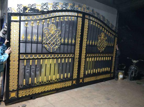 China Wrought Iron Swing Garden Gate