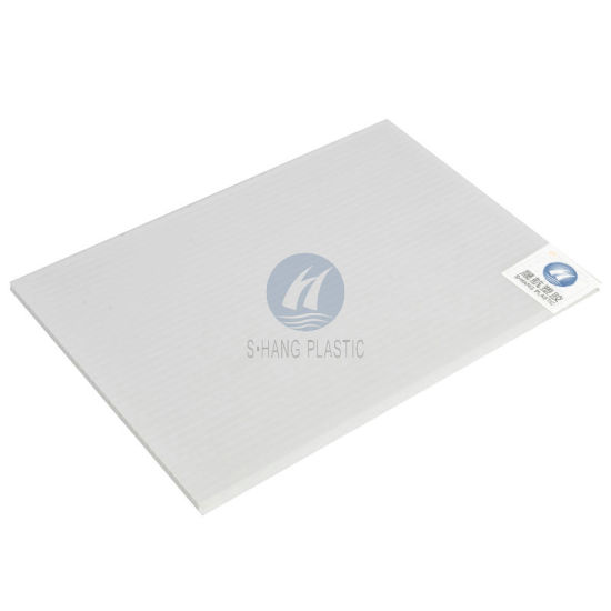 Twin-Wall Hollow Polycarbonate PC Sheet with UV Protection pictures & photos