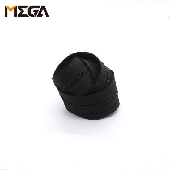 No 3 Black Color Coil Zipper Roll for Handbag