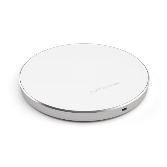 Universal Wireless Charging Pad for iPhone 8 and Qi Standard Wireless Charge Mobile Phone pictures & photos