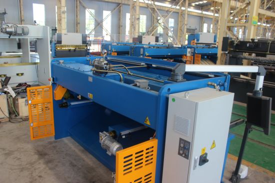 Hydraulic Cutting Machine QC12y-16*3200 E21 pictures & photos