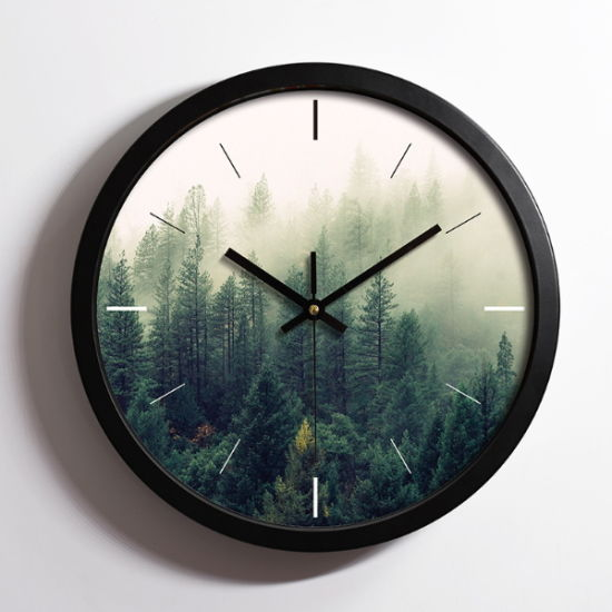 European Style Wall Clock with Customized Company Logo pictures & photos