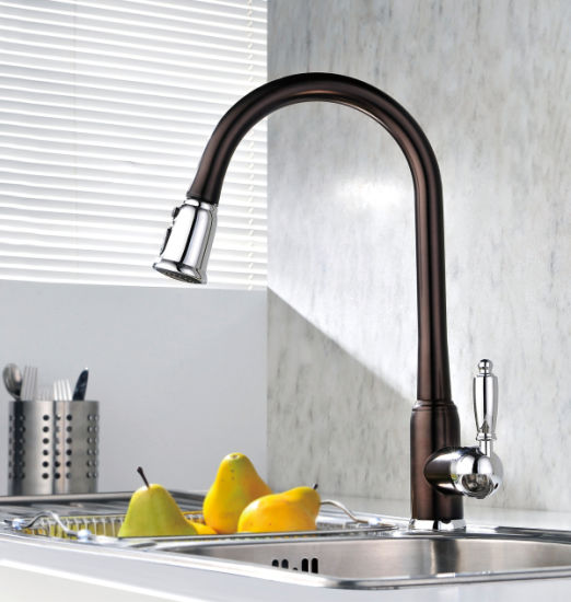 Single-Lever Pull out Kitchen Sink Faucet pictures & photos