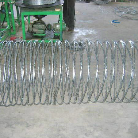 Galvanized Concertina Razor Barbed Wire /Razor Wire Price /High Quality Razor Manufacturer /Concertina Razor Wire/Single Loop Razor Wir pictures & photos