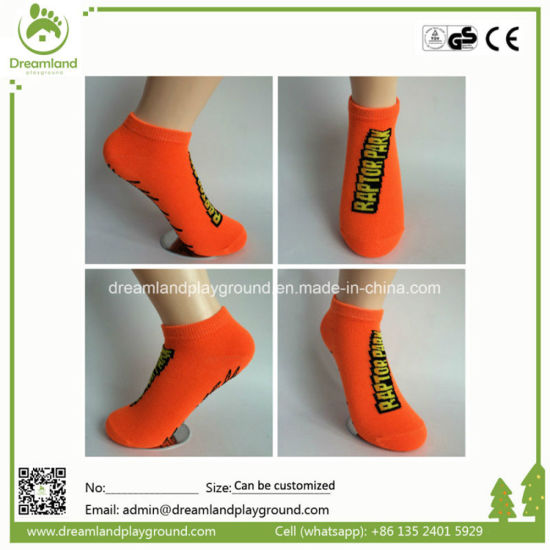Wholesale Trampoline Sock Price, Customized Grip Sock with Your Logo pictures & photos