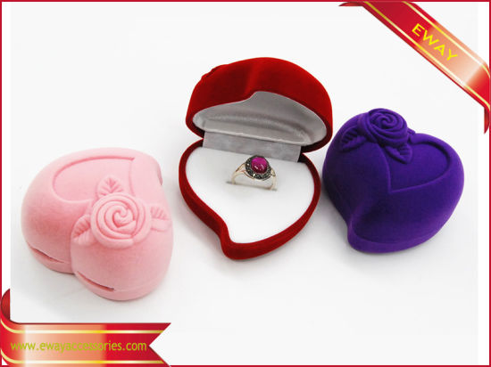 Lovely Ring Box Jewelry Velvet Box Ring Packing Box pictures & photos