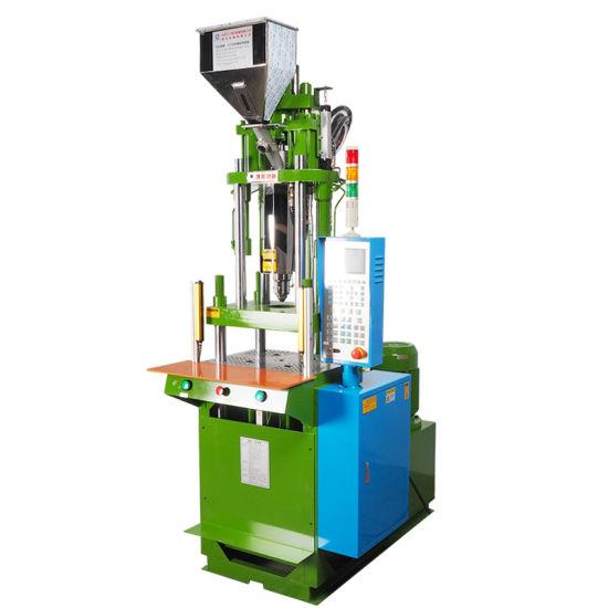 Vertical Plastic 3 Pin Female Plug Injection Molding Machine