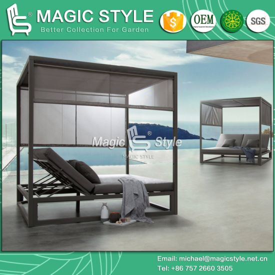 Outdoor Aluminum Daybed with Textile Cushion Garden Sunbed Hotel Double-Bed with Curtains Modern Kd Daybed Patio Furniture