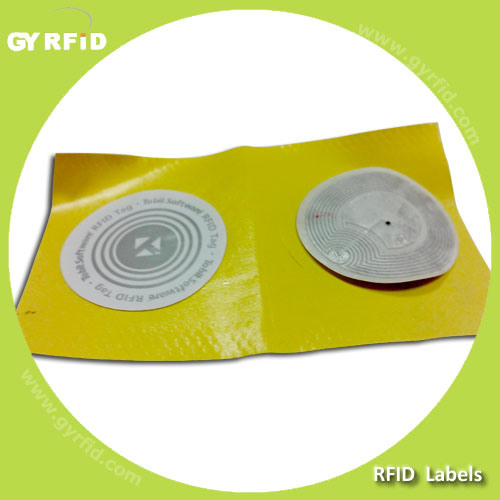 UHF Gen2 Clothing Label Washable RFID pictures & photos