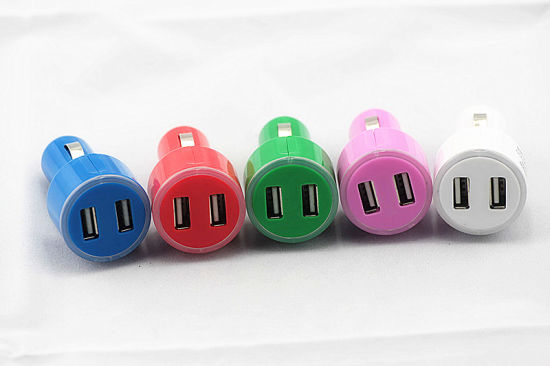 Dual USB Car Charger for iPhone/ Blackberry pictures & photos
