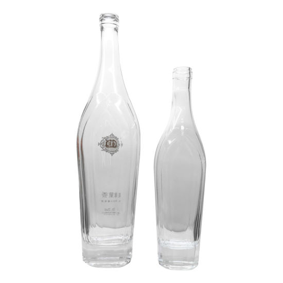 Crystal Glass Bottles with Decoration for Vodka, Gin pictures & photos