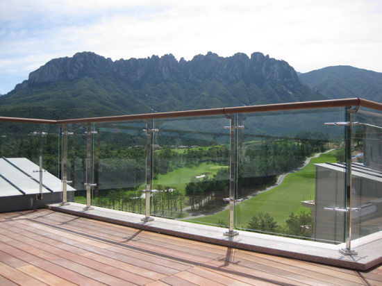 Best Quality Balcony Glass Railing with Glass Clamps Stainless Balustrade Fittings pictures & photos