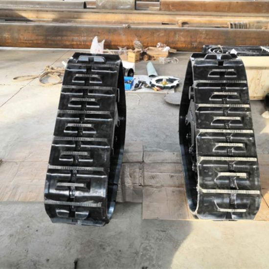 47 HP Kubota Tractor Connector Plate with Rubber Track System Py330-79 pictures & photos