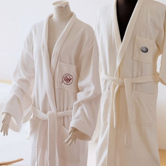 Hotel Bathrobe 100% Cotton Cut Pile with Embroidery Logo pictures & photos