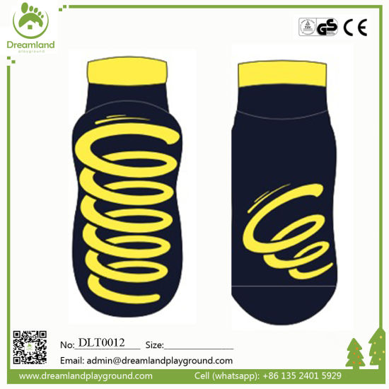 Non Skid Trampoline Park Socks, Wholesale Customized Grip Socks pictures & photos