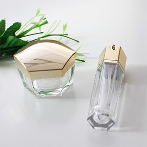 Cosmetic Hexagon Shape Acrylic Lotion Bottle with Pump pictures & photos