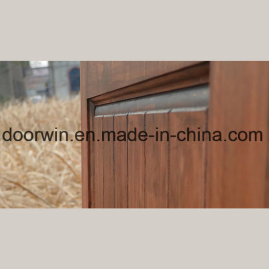 China Expensive Knotty Alderoak Wood Entry Door Interior Sliding