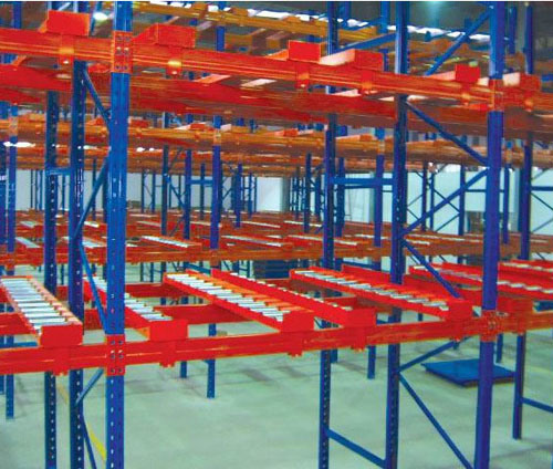 Heavy Duty Metal Pallet Push Back Racking for Logistics pictures & photos