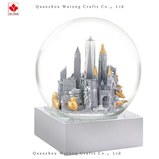 Custom Cheap Resin Building Snow Globe Souvenir. pictures & photos