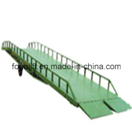 Manufacturer Sale Heavy Duty Cheap Dock Leveler Ramp Hydraulic Electric Warehouse Forklift Loading Working Ramp pictures & photos