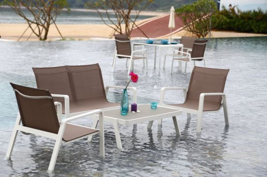 Well Made Outdoor Garden Sofa Set with PE Round Rattan