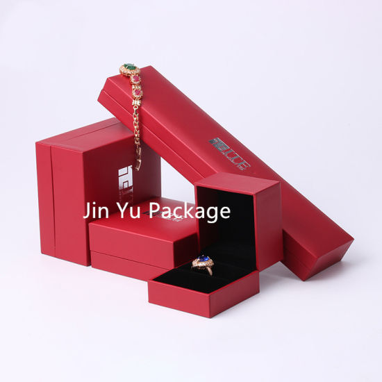 Handamde Red Plastic Gift Jewelry Packaging Box Warp Leather Paepr pictures & photos