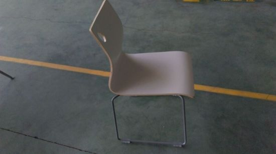 Good Quality Stackable Bentwood Restaurant Chair pictures & photos