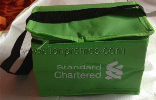 Standard Chartered Bank Promotional Gift Oxford Foil Lunch Cooler Bag pictures & photos