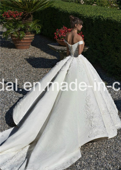 off Shoulder Ball Gowns Lace Beaded Puffy Luxury Bridal Wedding Dresses 2018 Lb1828 pictures & photos