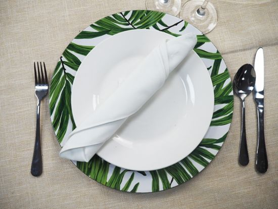 Disposable Plastic Charger Plates For Wedding Tables