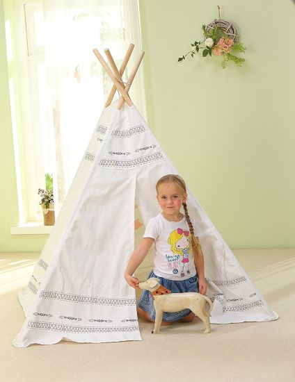 Kids Play Outdoor Camp White Tent Teepee pictures & photos