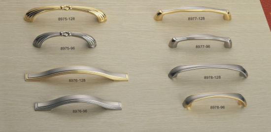 Fashion Design Zinc Alloy Furniture Pull Kitchen Cabinet Handle pictures & photos