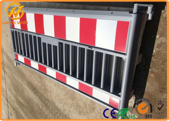 Germany Market Roadway Safety Traffic Plastic Crowd Control Barrier pictures & photos
