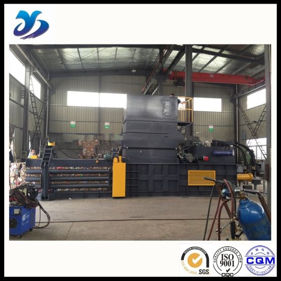Ce Certificated OEM Horizontal Hydraulic Baler pictures & photos