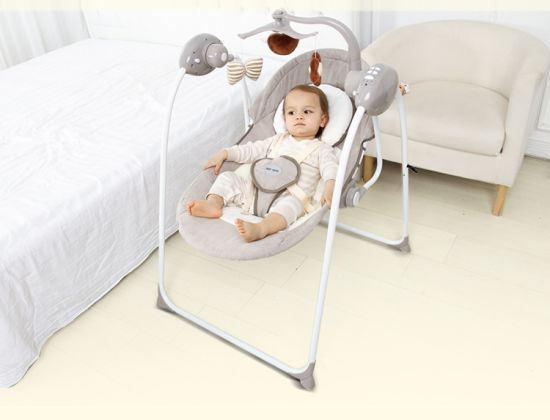 2017 Wholesale New Design Baby Swing Bed Baby Automatic Cradle Swing pictures & photos