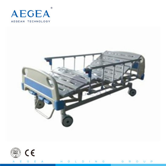 Cheap Wholesales 3 Functions Manual Crank Adjustable Furniture Patient Medical Fowler Hospital Bed Price Supplies pictures & photos
