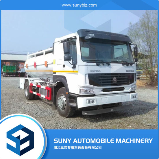 10000L Sino HOWO 4X2 Oil Tank Truck with Fuel Pump pictures & photos