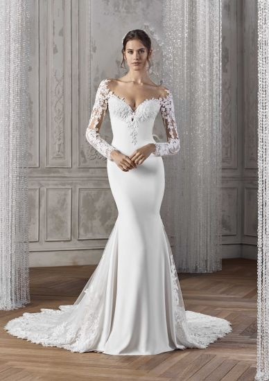 China Long Sleeves Bridal Gowns Lace V Neck Simple Wedding Dresses